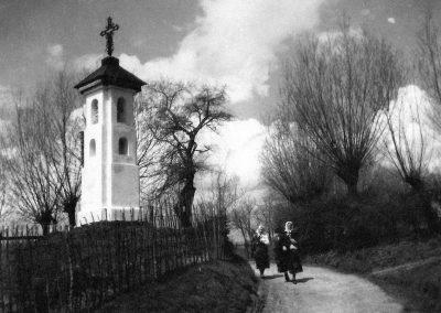 zyznowski.pl - Siercza - fotografie - 36a. il-36a_1a-Kapliczka_stare-male_przenieść doBK poil.36-min
